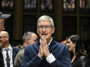 Apple shares rise after company reports better-than-expected revenue of $91.8B