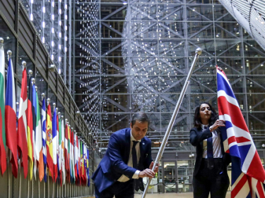 WATCH: Moment British Flag Comes Down in Brussels – BREXIT DONE
