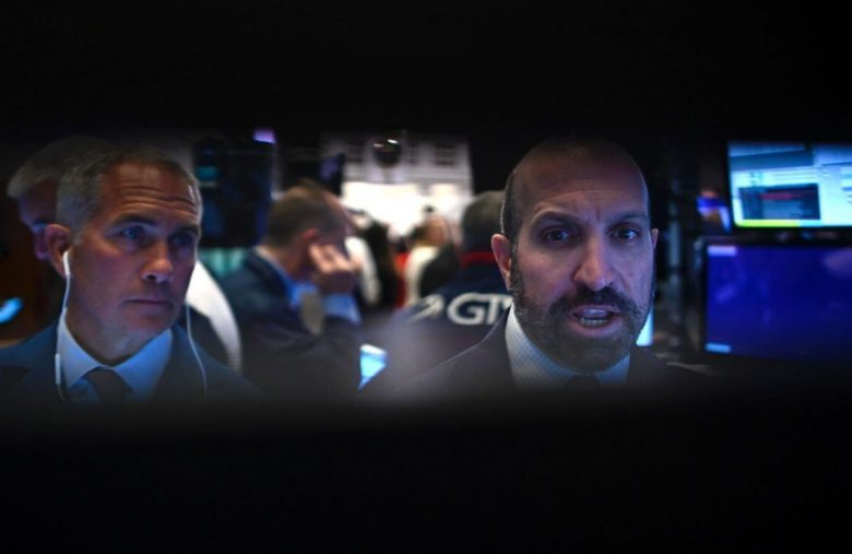 Smart Money Cashing Out As Microsoft, Intel & Amazon Stocks Look Ugly After Earnings Beat