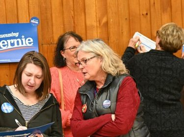 Iowa Democrat Caucus Turnout Fails to Reach Record Obama Levels