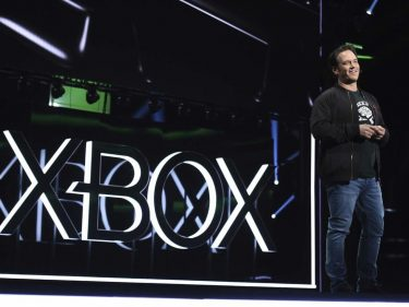 Xbox Chief Phil Spencer Reveals His VR Strategy – And Boy, Is It Cynical