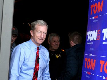 Tom Steyer Vows $22 Minimum Wage if Elected