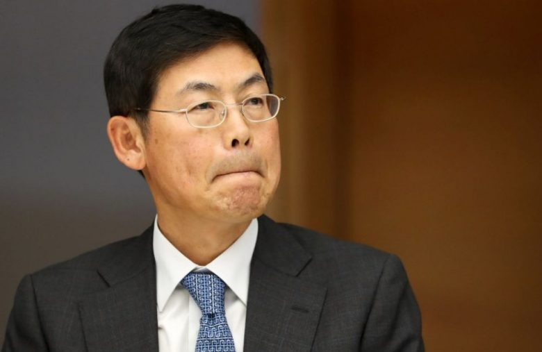 Samsung's jailed union-busting chairman steps down