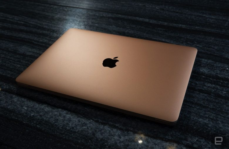 Amazon discounts the 256GB MacBook Air to under $1,000