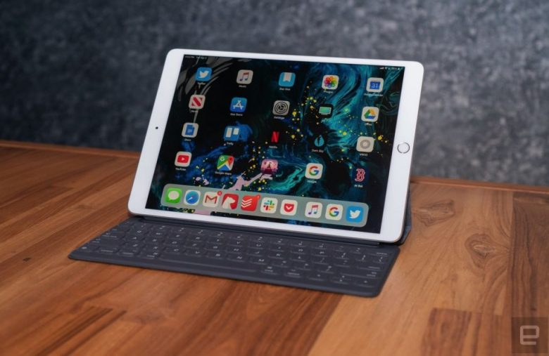 Apple will fix iPad Air tablets with blank screen issues