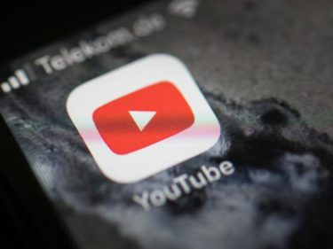 YouTube defaults to SD quality worldwide to tame bandwidth surge