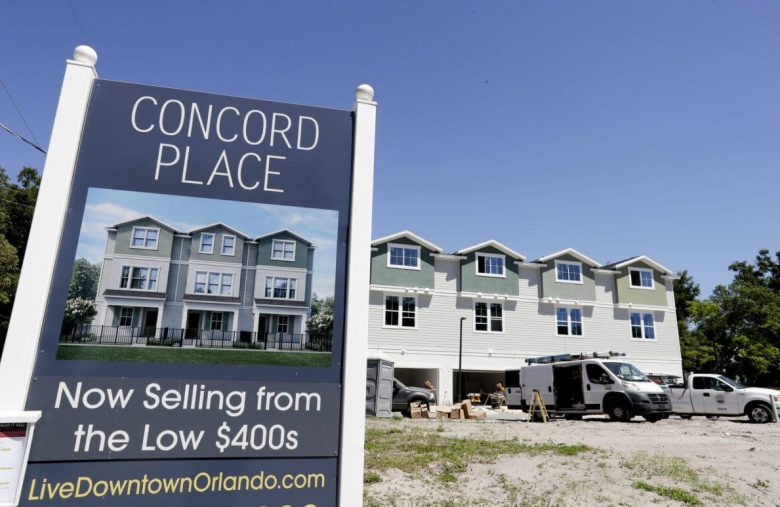 Mortgage Applications Crater 30% in Worst Fall Since Housing Market Burst