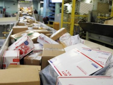 Union: 2,000 U.S. Postal Workers in Quarantine Across America
