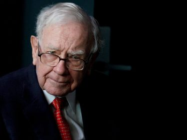 Warren Buffett Broke His Cardinal Rules for Investing By Purchasing Airline Stocks