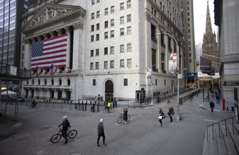 Don't Be Fooled by the Stock Market's Rally. Smart Money is Staying on the Sidelines