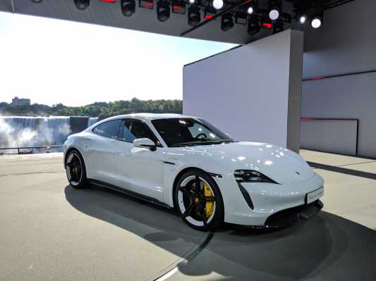Porsche to produce a cheaper version of its all-electric Taycan