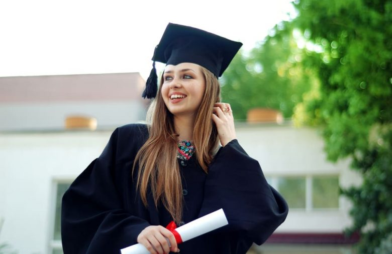 Microsoft offers virtual graduations with up to 20,000 attendees