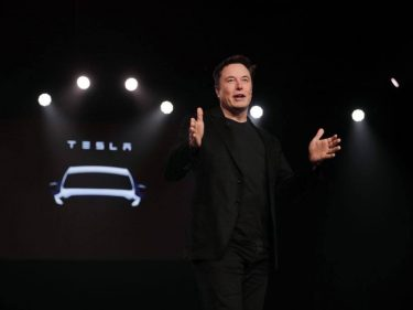 Elon Musk Called Tesla Stock a Bubble – The 'Dumb Money' Said BS