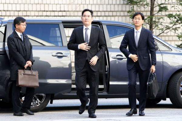 South Korean court denies prosecutors' arrest warrant request for Samsung heir Jay Lee