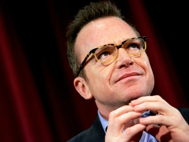 Tom Arnold: Time to Get Rifles to 'Go Nose to Nose with Trump's Gang of Misfit Tools'