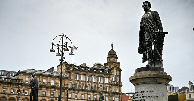 Exclusive: Scots Cops Have 'No Plans' to Guard Historic Statues