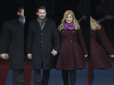 Kelly Clarkson Is Getting Divorced – And Honestly, We All Saw This Coming