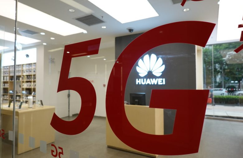 US lets companies work with Huawei on 5G standards