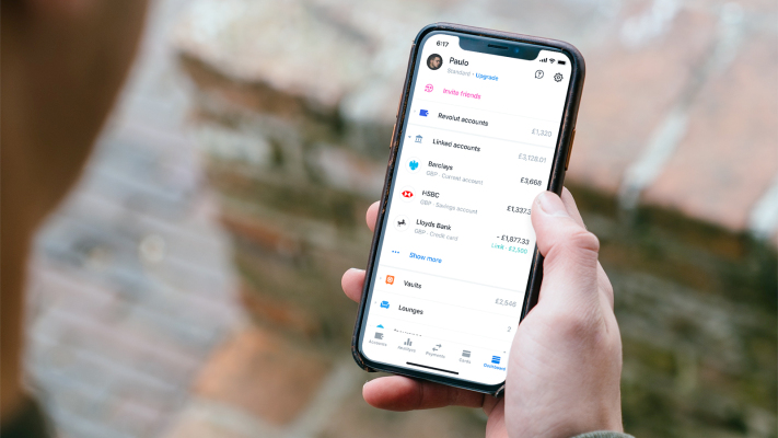 Revolut expands bank account aggregation to Ireland
