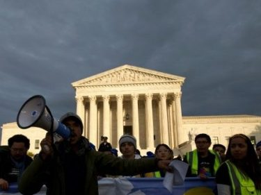 Supreme Court Rejects Trump Admin's Rescinding of DACA