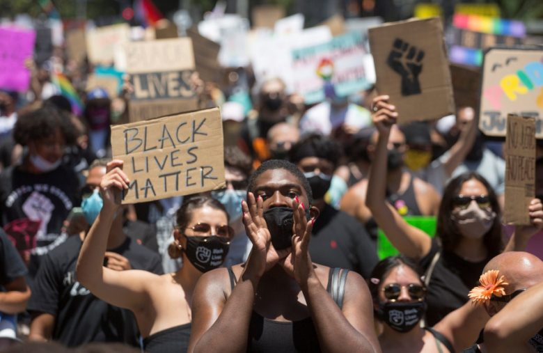 Demographic report on protests show how much info our phones give away