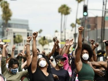 BLM Protesters Storm Beverly Hills Neighborhood: 'Eat the Rich!'