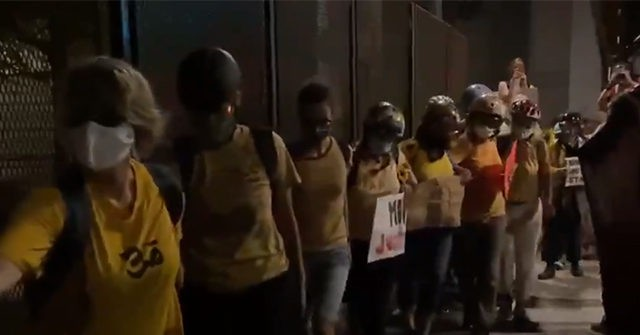 Portland Moms Create 'Human Shield' to Protect Protesters