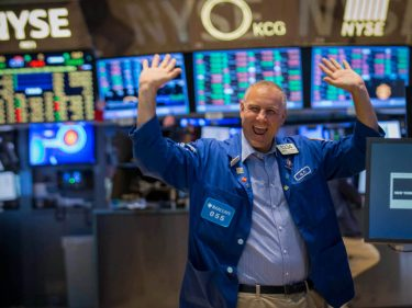 Here's Why the Dow Jones Crushed the Nasdaq and S&P 500 Today