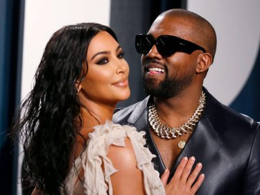 Kim Kardashian Posts Thirsty Instagram Pics as Kanye Suffers Breakdown