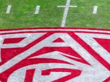Report: Group of Pac-12 Players Threatens to Boycott Season over Virus, Social Justice Concerns