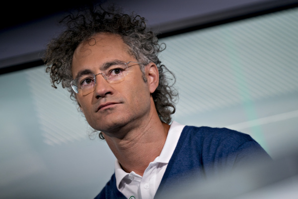 Leaked Palantir S-1 shows company has 125 customers after 17 years