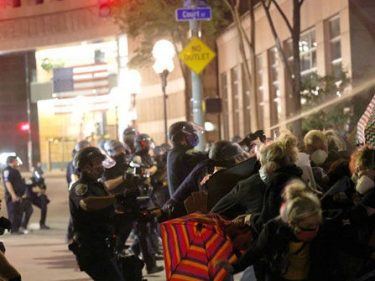 Black Lives Matter Protesters Riot in Rochester, Harass Restaurant Patrons