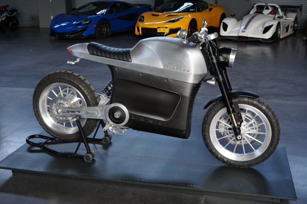 Tarform unveils Luna e-moto for folks who may not like motorcycles