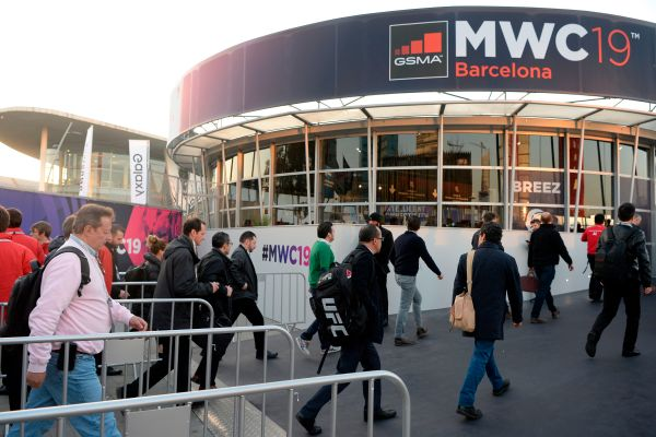MWC plans to go forward in person in 2021, but pushes show back to late-June