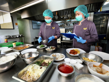 Indonesian cloud kitchen startup Yummy gets $12 million Series B led by SoftBank Ventures Asia